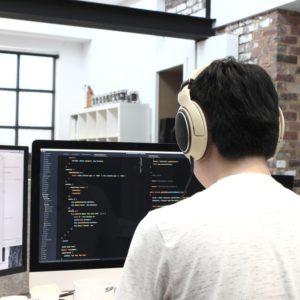 張忠謀預言未來一半工作將被AI人工智慧取代,該如何應對?