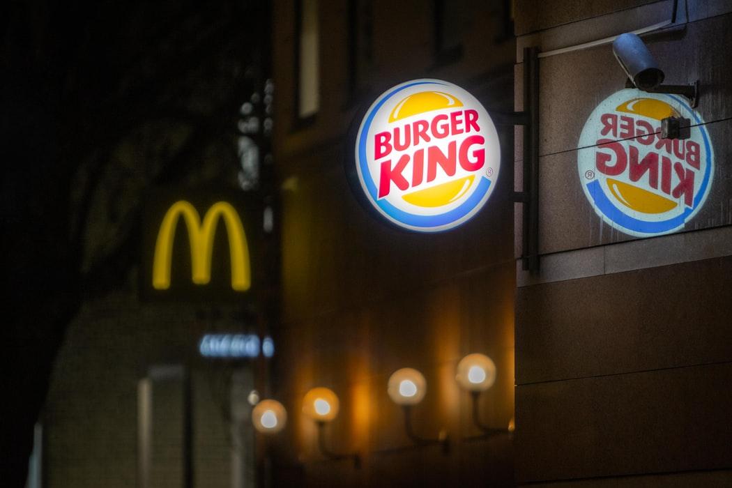 有趣的網路行銷讓漢堡王華堡戰勝麥當勞大麥克?!