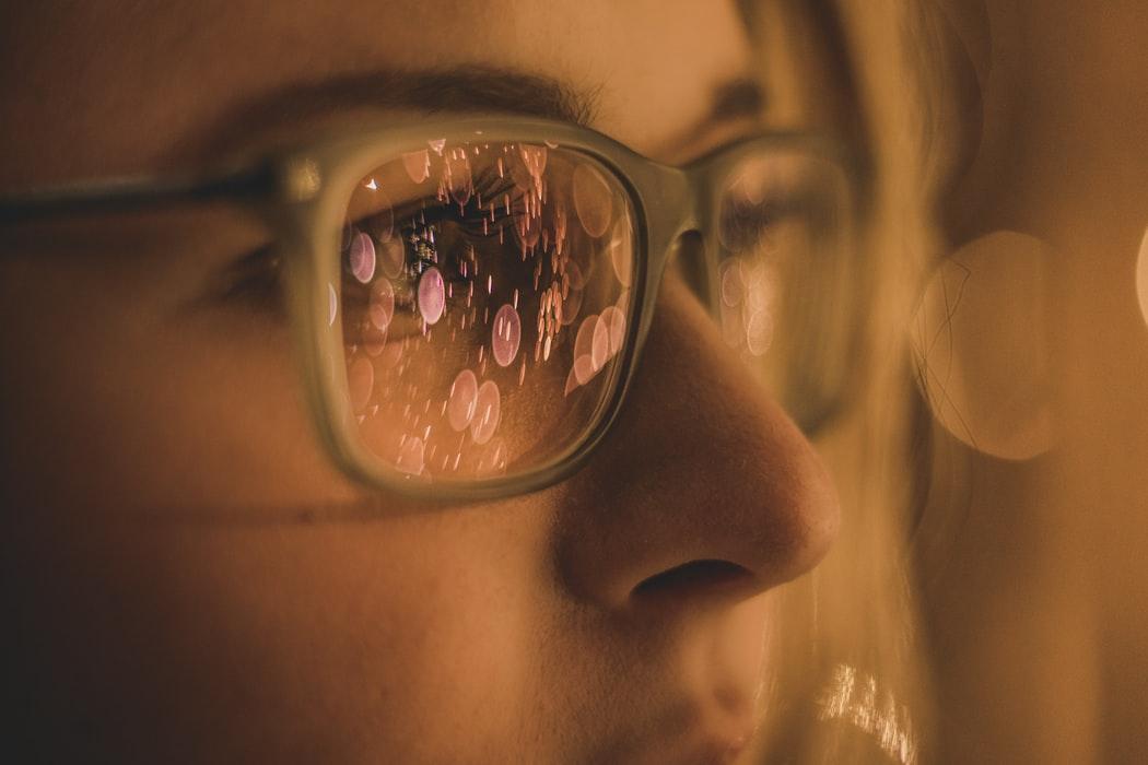 新一代Google人工智慧眼鏡功能大進化!還兼具外型喔~(中)