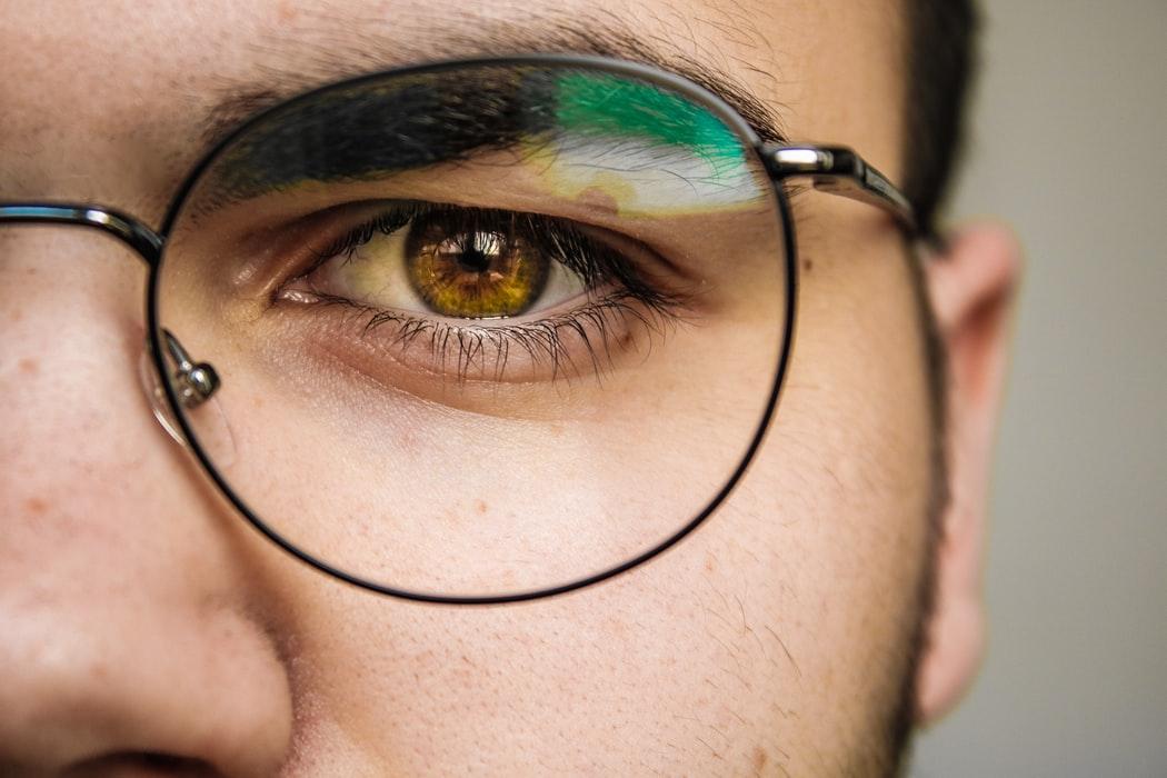 新一代Google人工智慧眼鏡功能大進化!還兼具外型喔~(上)