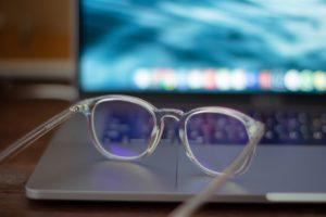 新一代Google人工智慧眼鏡功能大進化!還兼具外型喔~(下)
